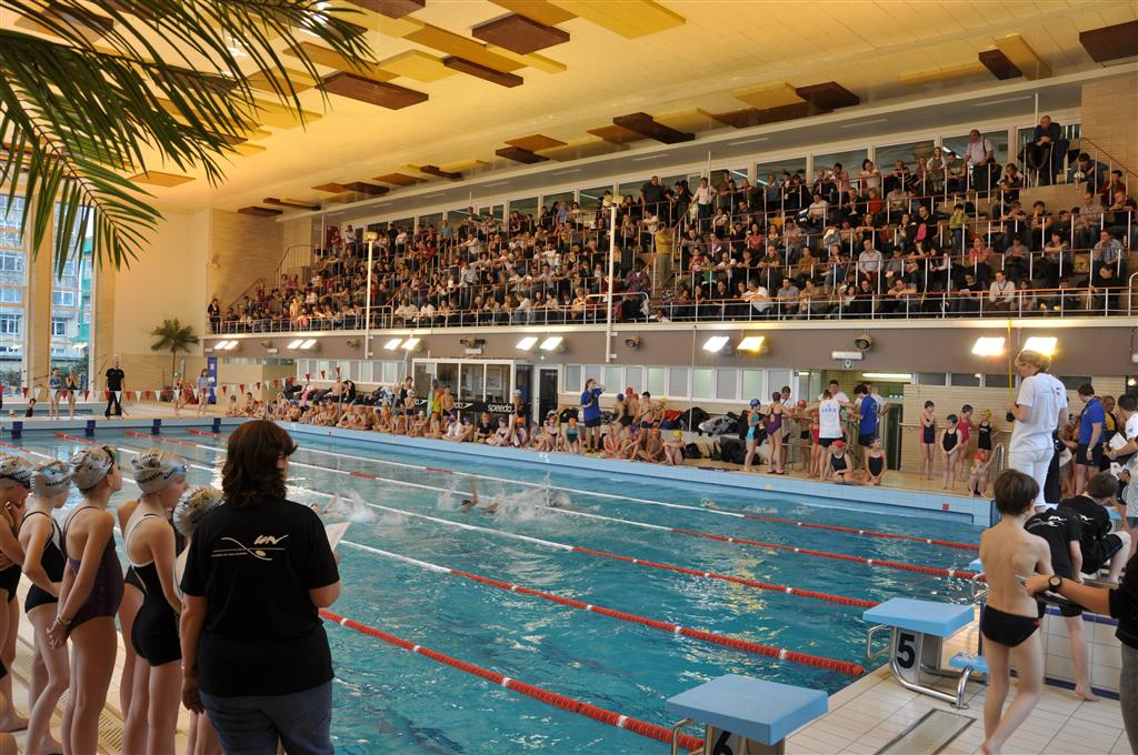 Calendrier des comp titions du cnba club de natation for Piscine woluwe saint pierre